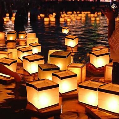 flydende lys i vand